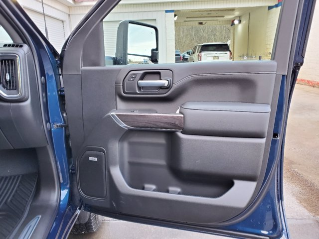 2021 Chevrolet Silverado 2500 Crew Cab 4x4, Pickup #53317 - photo 19