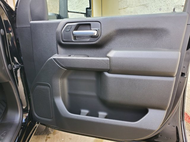 2021 Chevrolet Silverado 2500 Crew Cab 4x4, Pickup #53375 - photo 18
