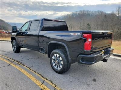 2021 Chevrolet Silverado 2500 Crew Cab 4x4, Pickup #53375 - photo 2