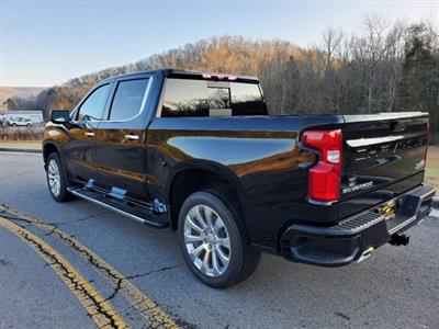 2021 Chevrolet Silverado 1500 Crew Cab 4x4, Pickup #53420 - photo 2