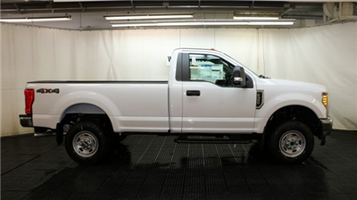 2017 F-350 Regular Cab 4x4 Pickup #F105658 - photo 3