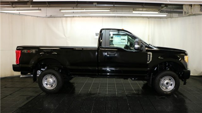 2017 F-250 Regular Cab 4x4 Pickup #F105692 - photo 3