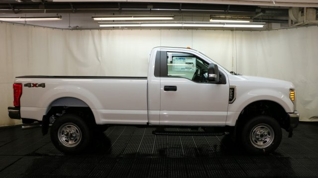 2017 F-250 Regular Cab 4x4 Pickup #F106043 - photo 3