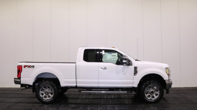 2018 F-250 Super Cab 4x4,  Pickup #F106732 - photo 3