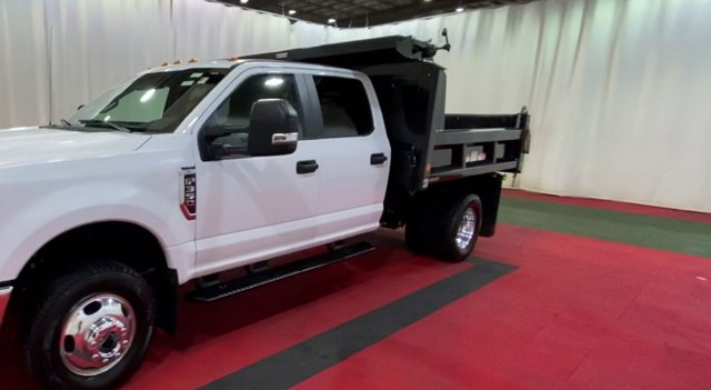 2018 F-350 Crew Cab DRW 4x4,  Reading Dump Body #F108122 - photo 4