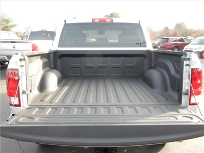 2017 Ram 1500 Crew Cab 4x4, Pickup #73211 - photo 6