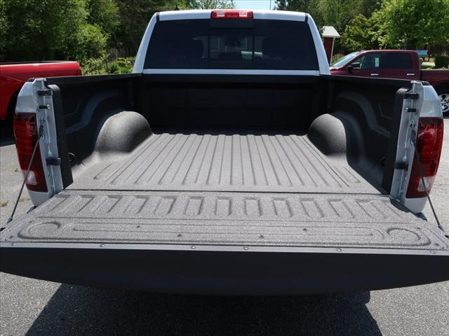 2017 Ram 1500 Crew Cab 4x4 Pickup #73244 - photo 15
