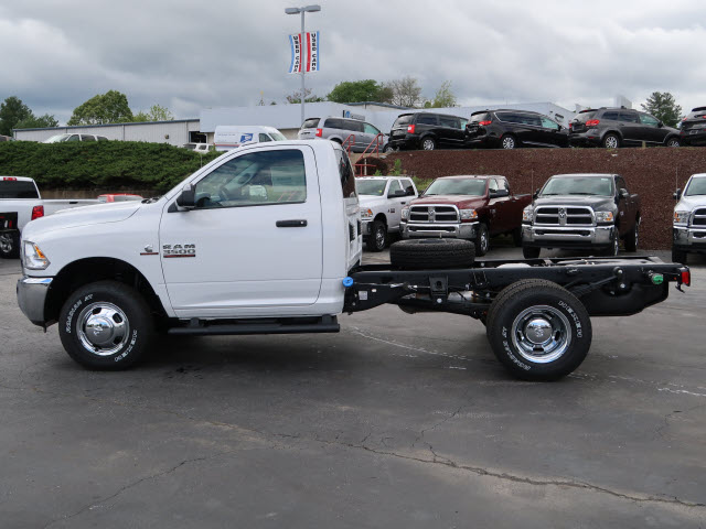 2017 Ram 3500 Regular Cab DRW 4x4, Cab Chassis #73636 - photo 15