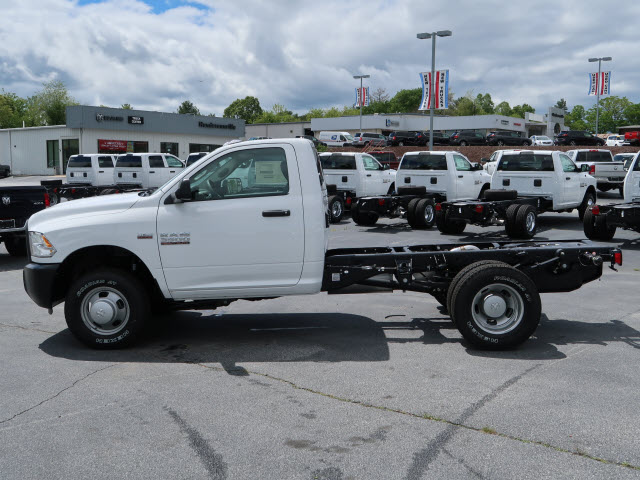 2017 Ram 3500 Regular Cab DRW 4x4, Cab Chassis #73637 - photo 15