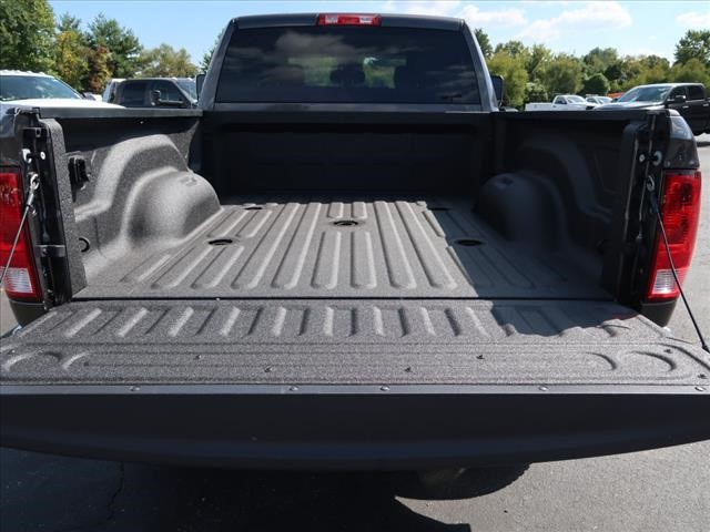 2017 Ram 3500 Crew Cab 4x4 Pickup #73669 - photo 15