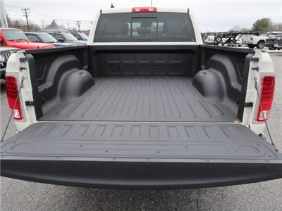 2018 Ram 1500 Crew Cab 4x4, Pickup #83337 - photo 15