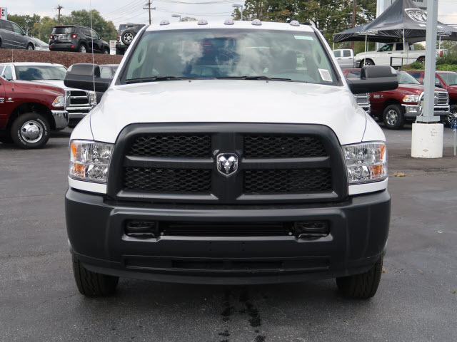 2018 Ram 3500 Regular Cab DRW 4x4, Cab Chassis #83602 - photo 3