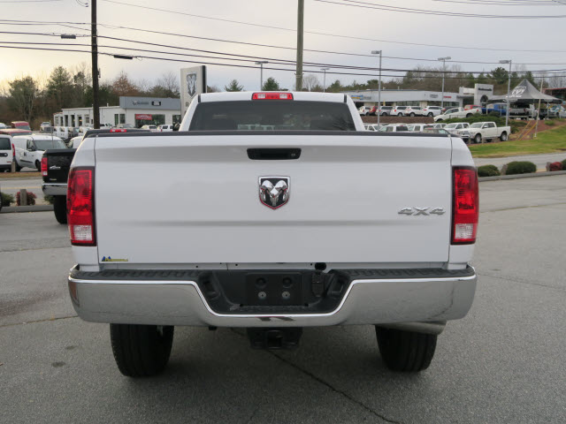 2018 Ram 3500 Regular Cab 4x4 Pickup #83610 - photo 15