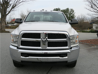 2018 Ram 3500 Regular Cab 4x4 Pickup #83610 - photo 12