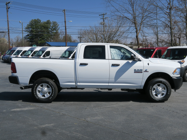 2018 Ram 3500 Crew Cab 4x4, Pickup #83636 - photo 14