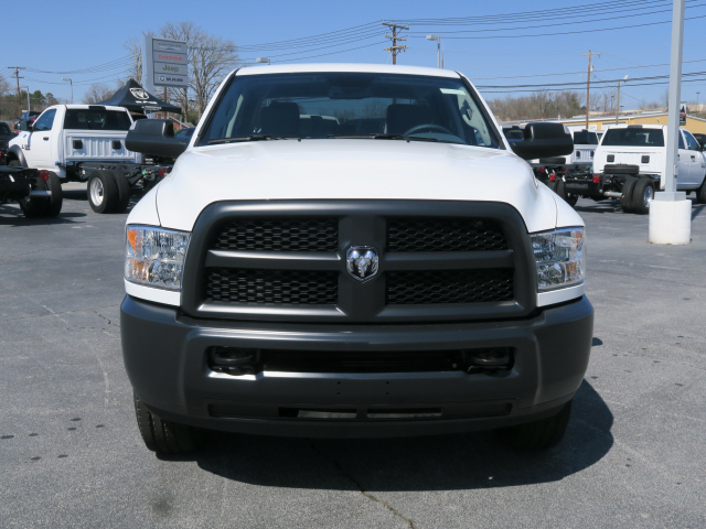 2018 Ram 3500 Crew Cab 4x4, Pickup #83636 - photo 3