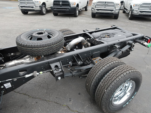 2018 Ram 3500 Regular Cab DRW 4x4, Cab Chassis #83637 - photo 16