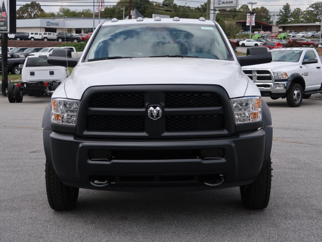2018 Ram 5500 Regular Cab DRW 4x4 Cab Chassis #83903 - photo 3