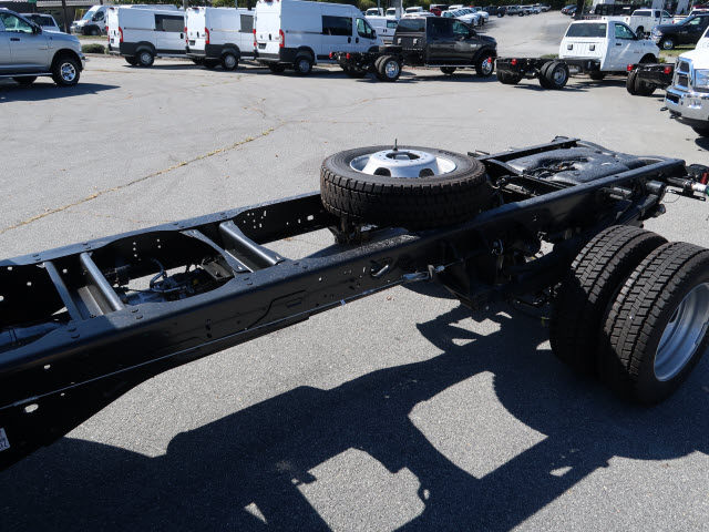 2018 Ram 5500 Regular Cab DRW 4x4 Cab Chassis #83906 - photo 15