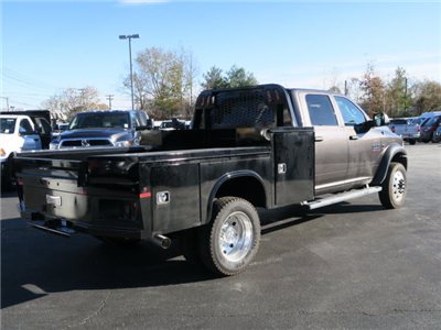 2018 Ram 5500 Crew Cab DRW 4x4 Hauler Body #83912 - photo 2