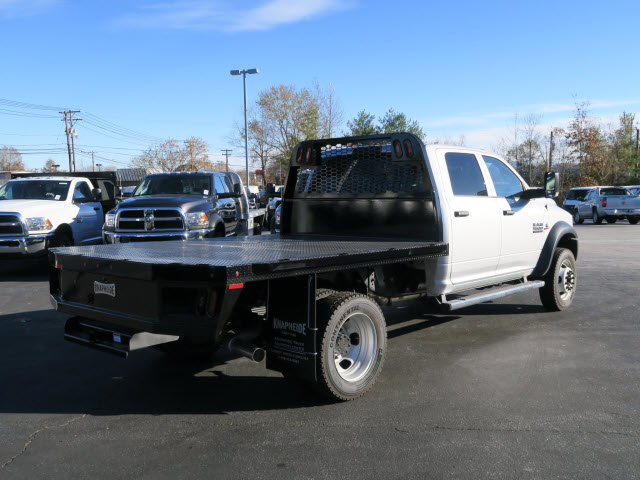 2018 Ram 5500 Crew Cab DRW 4x4 Platform Body #83913 - photo 2