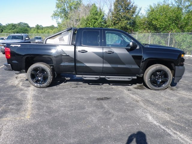 2017 Silverado 1500 Double Cab 4x4 Pickup #71096 - photo 8