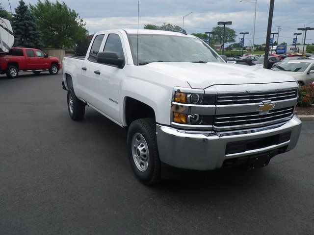 2017 Silverado 2500 Double Cab 4x4 Pickup #73310 - photo 4