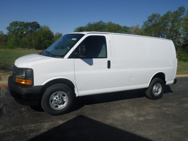 2017 Express 3500 Cargo Van #73871 - photo 4