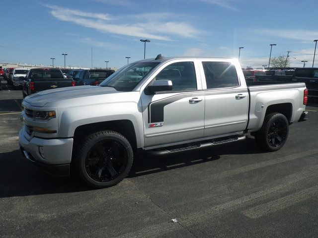 2018 Silverado 1500 Crew Cab 4x4 Pickup #80531 - photo 4