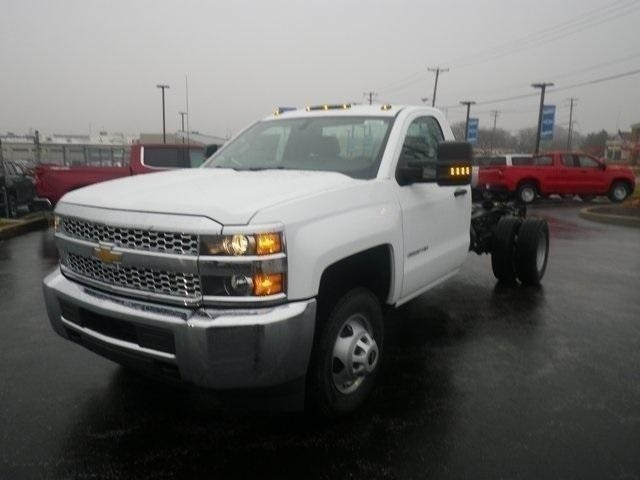 2019 Silverado 3500 Regular Cab DRW 4x2,  Cab Chassis #90865 - photo 4