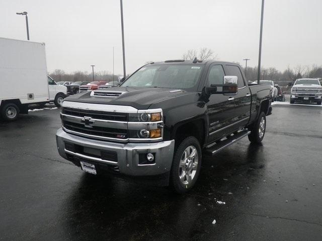 2019 Silverado 2500 Crew Cab 4x4,  Pickup #90950 - photo 5