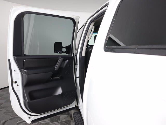 2010 Nissan Titan 4x4, Pickup #381059A - photo 12