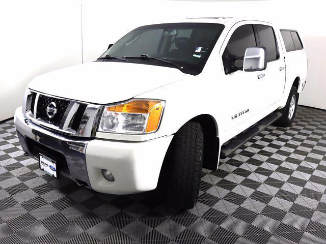 2010 Nissan Titan 4x4, Pickup #381059A - photo 4