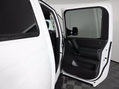 2010 Nissan Titan 4x4, Pickup #381059A - photo 13