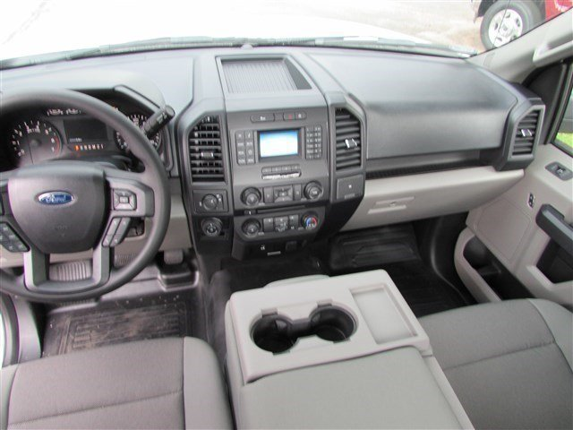 2016 F-150 Regular Cab, Pickup #516009 - photo 4