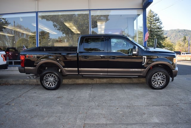 2017 F-250 Crew Cab 4x4 Pickup #HED09909 - photo 4
