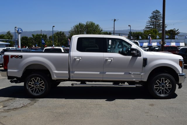 2017 F-250 Crew Cab 4x4 Pickup #HEE33310 - photo 3