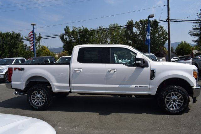 2017 F-250 Crew Cab 4x4 Pickup #HEE47904 - photo 5