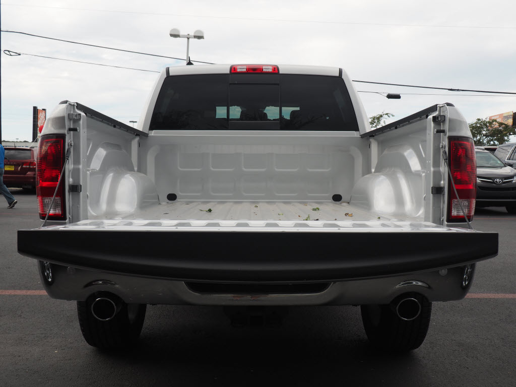 2017 Ram 1500 Crew Cab 4x4, Pickup #170183 - photo 2