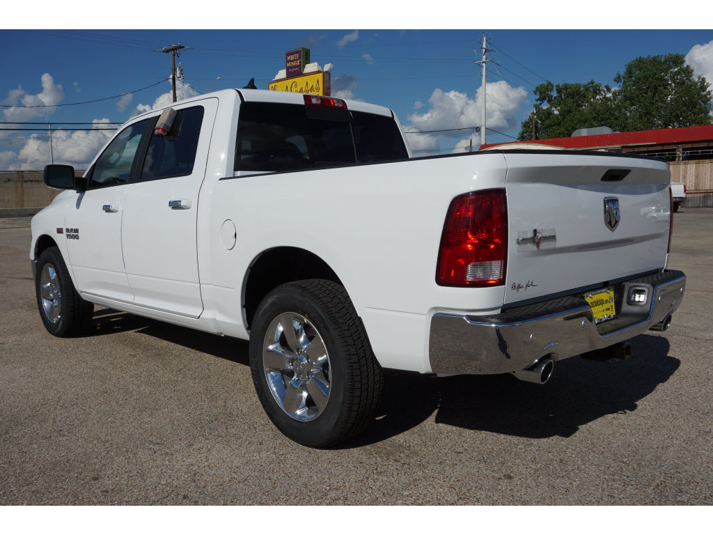 2017 Ram 1500 Crew Cab, Pickup #170213 - photo 2