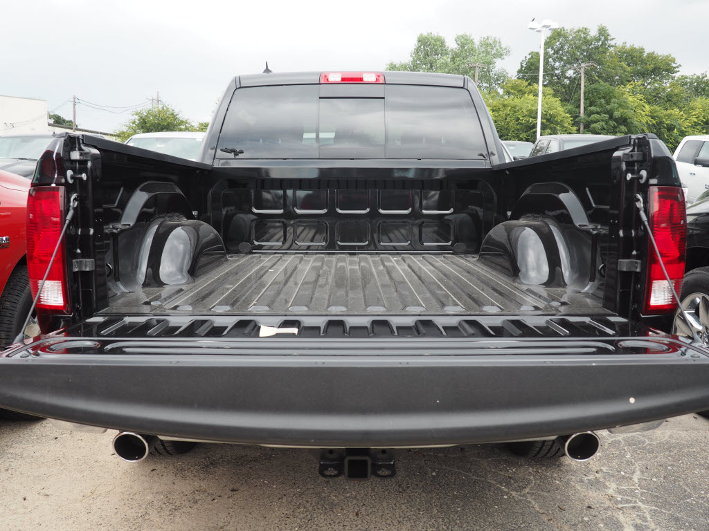 2017 Ram 1500 Crew Cab, Pickup #170219 - photo 3