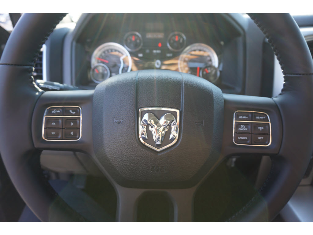 2017 Ram 1500 Crew Cab 4x4, Pickup #170223 - photo 10