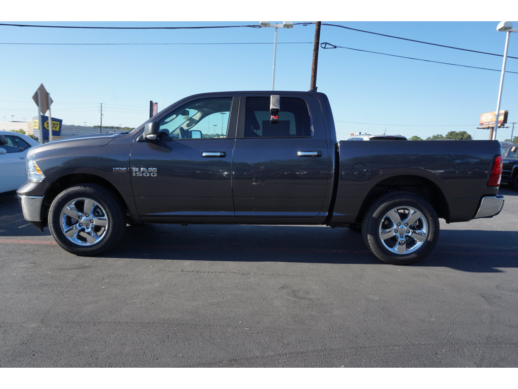 2017 Ram 1500 Crew Cab 4x4, Pickup #170223 - photo 3