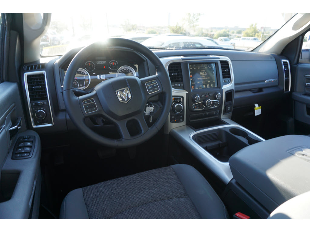 2017 Ram 1500 Crew Cab 4x4, Pickup #170223 - photo 6