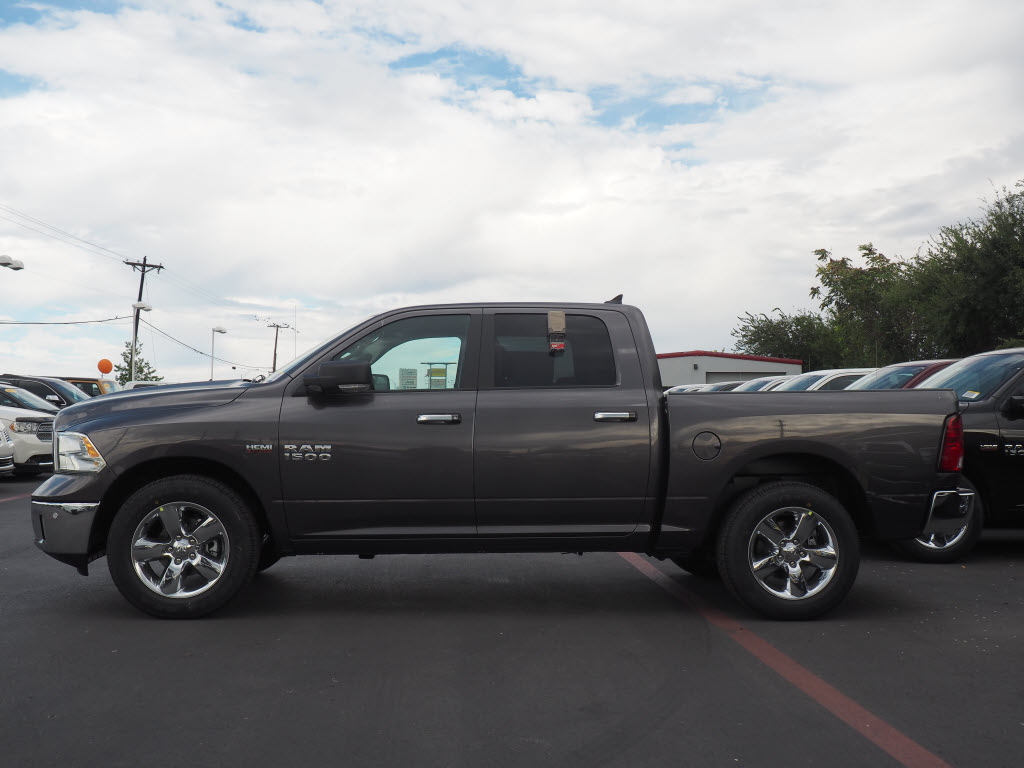 2017 Ram 1500 Crew Cab, Pickup #170226 - photo 3