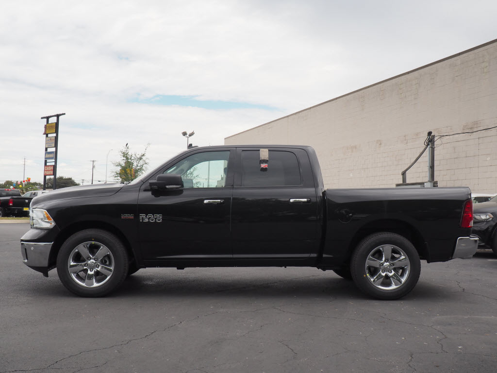 2017 Ram 1500 Crew Cab, Pickup #170230 - photo 3