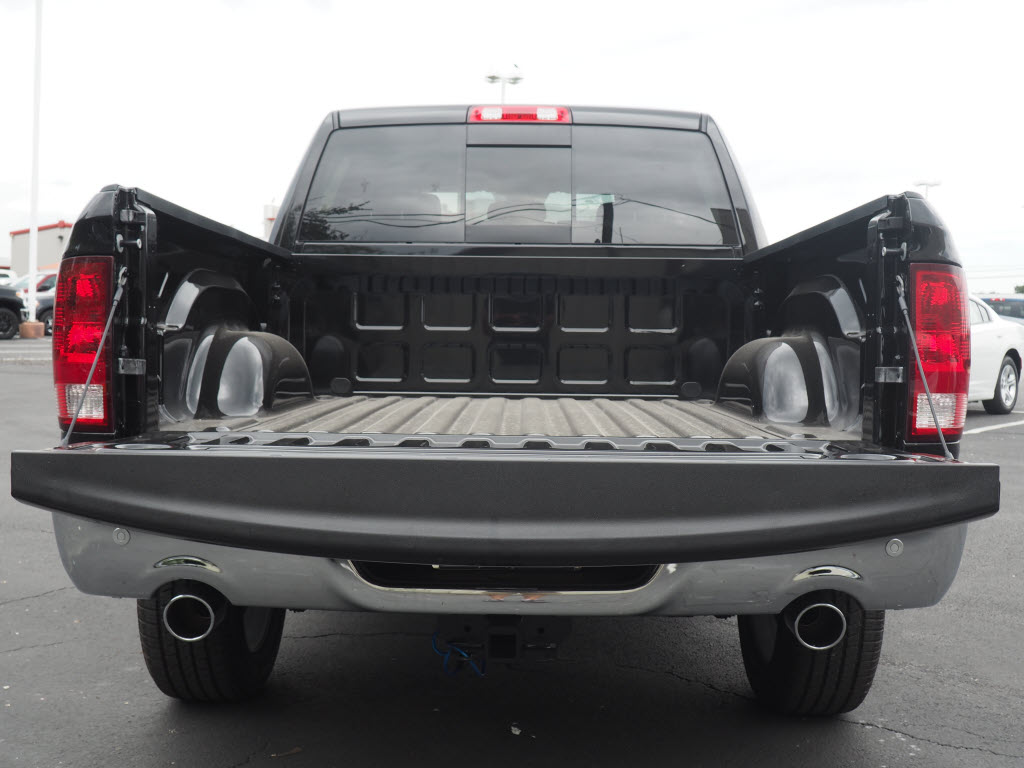 2017 Ram 1500 Crew Cab, Pickup #170230 - photo 4