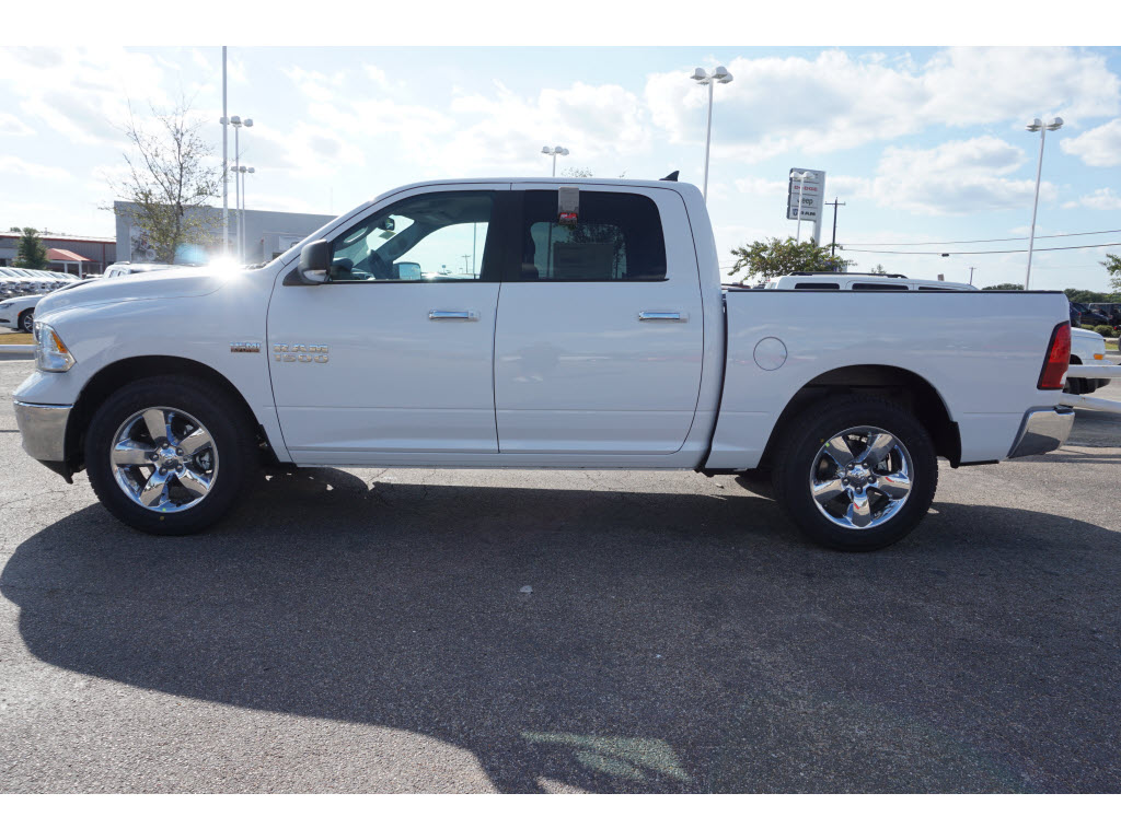 2017 Ram 1500 Crew Cab, Pickup #170231 - photo 3