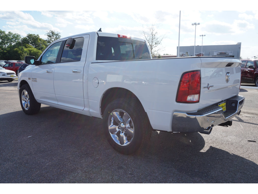 2017 Ram 1500 Crew Cab, Pickup #170231 - photo 2