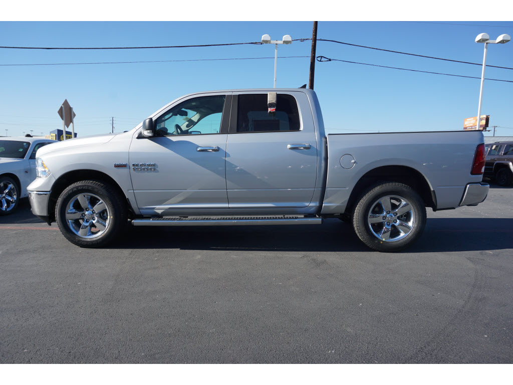 2017 Ram 1500 Crew Cab 4x4, Pickup #170254 - photo 3